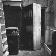 bookcase - secret annexe sm